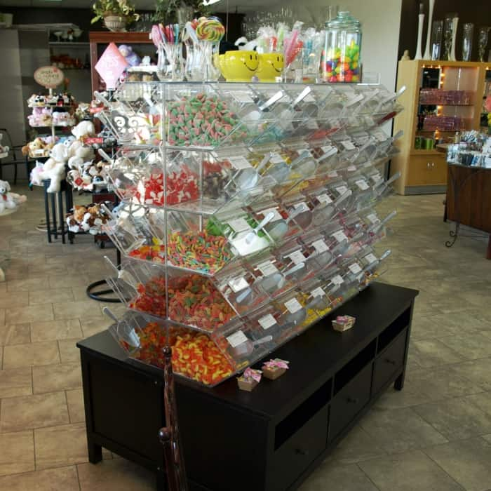 presentoir en acrylique confiserie laval candy acrylic display
